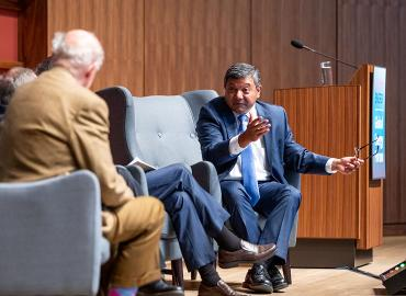 Arun Majumdar speaking to George Shultz during closing panel